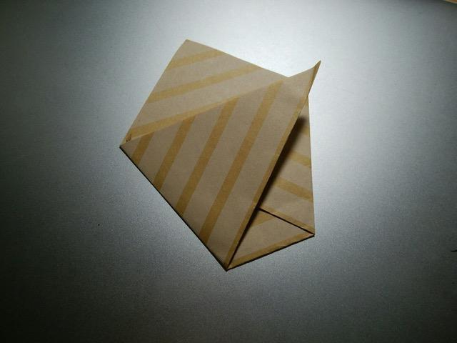 カバンの中にあると便利☆折り紙コップ[子連れ外出の持ち物]