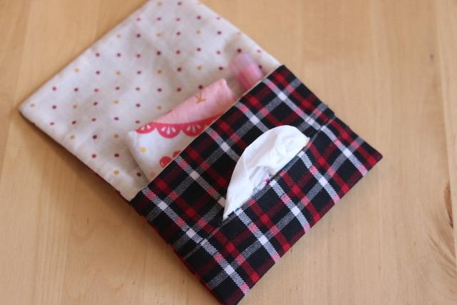 洋服をリメイクして簡単移動ポケットを作成!